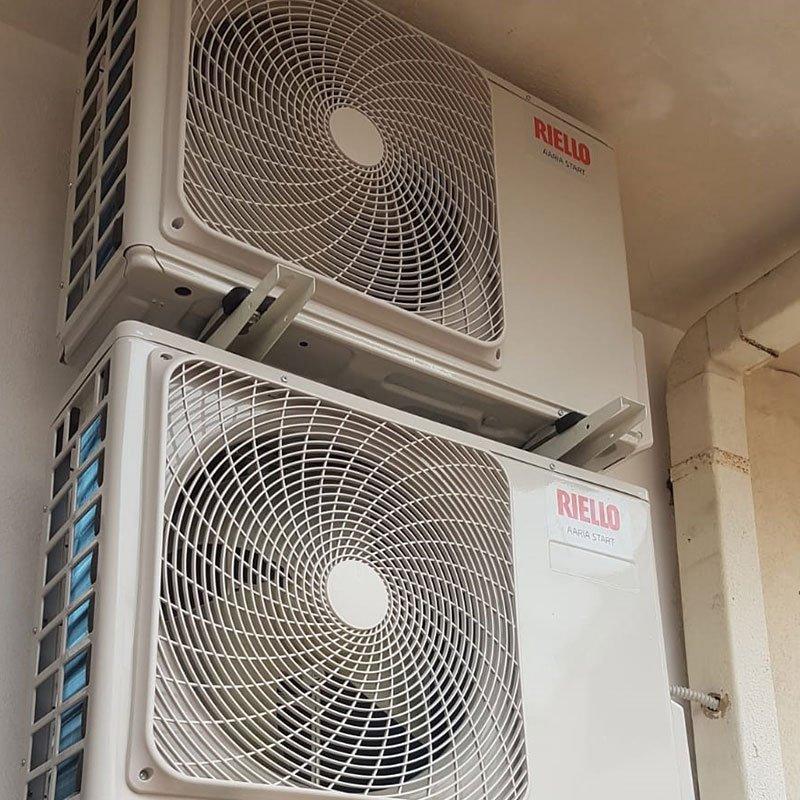 due motori Riello climatizzatore inverte instalalti