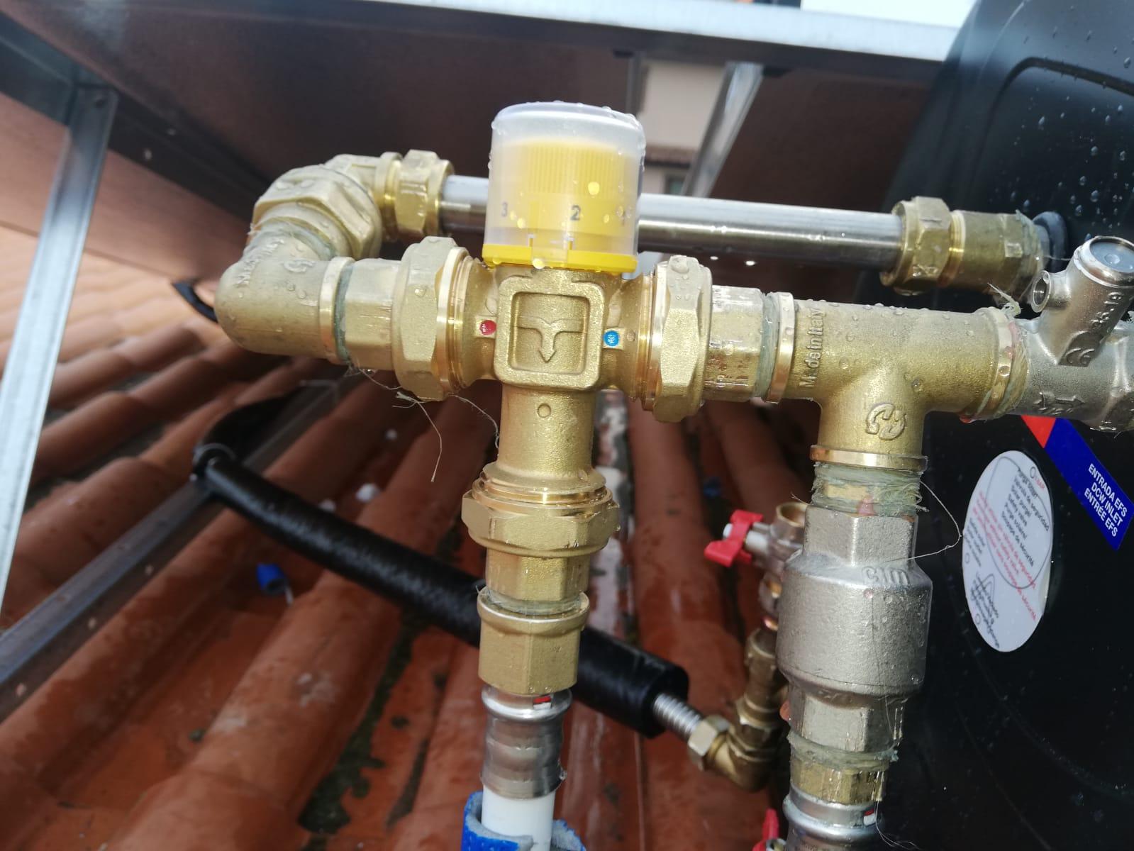 installazione e montaggio della predisposizione di tutta la tubazione acqua del solare termico