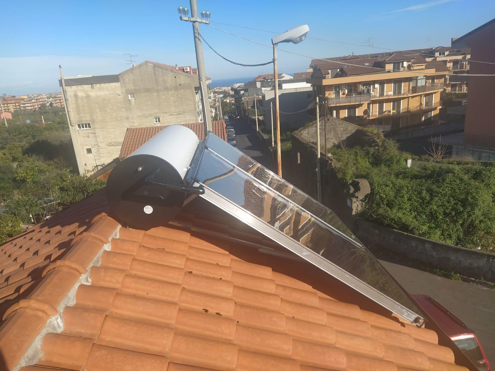 impinto solare termico finito e montato a tetto
