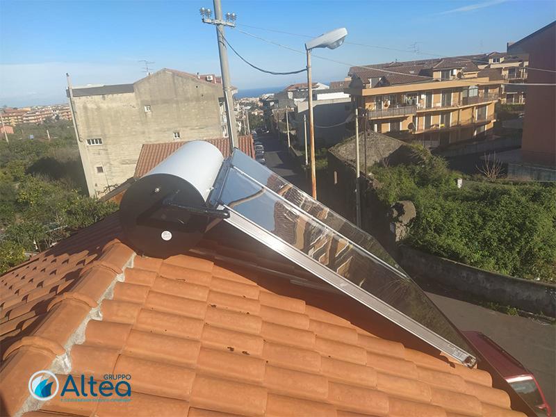 impianto solare termico vista laterale destra