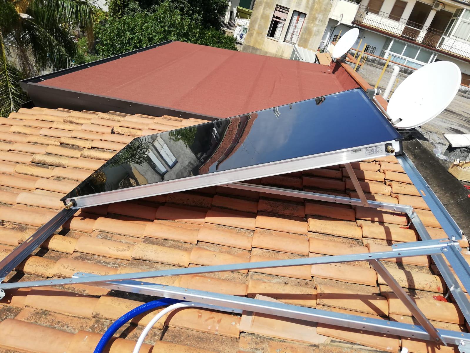 Montaggio solare termico incompleto 2 pannelli su 3