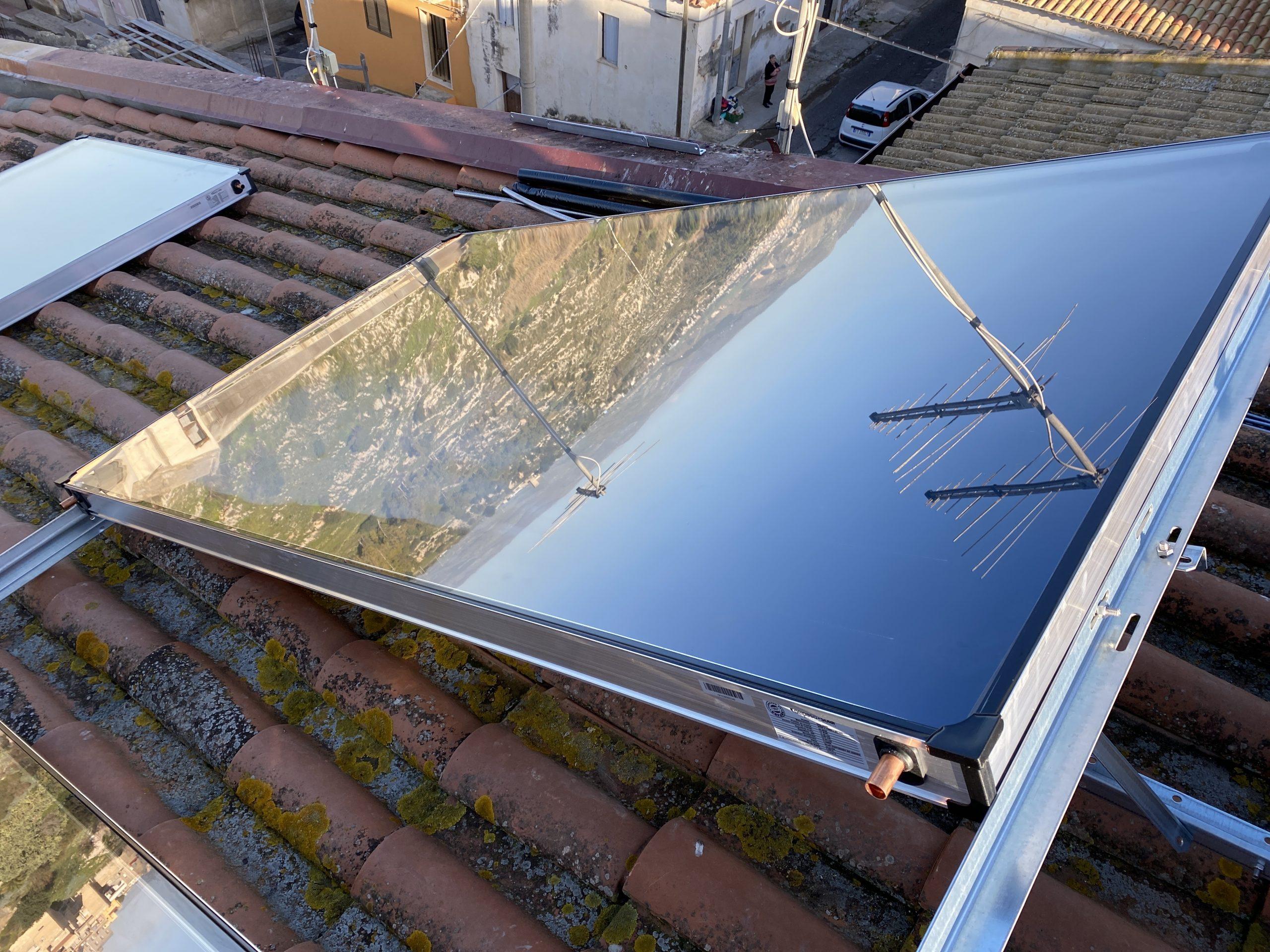 inzio montaggio del pannello solare termico