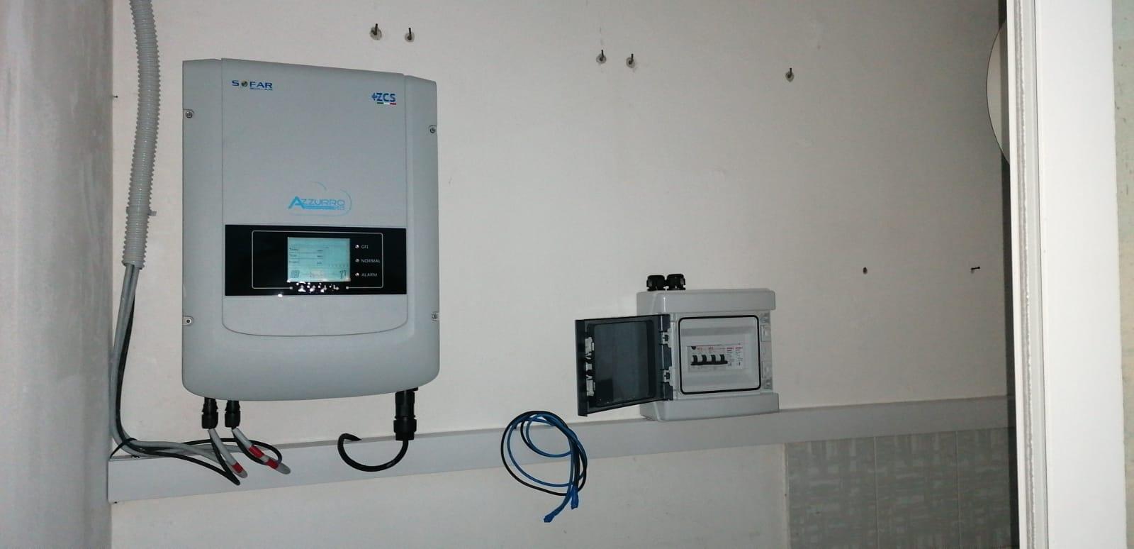 Inverter per impianto FV con interrutore luce