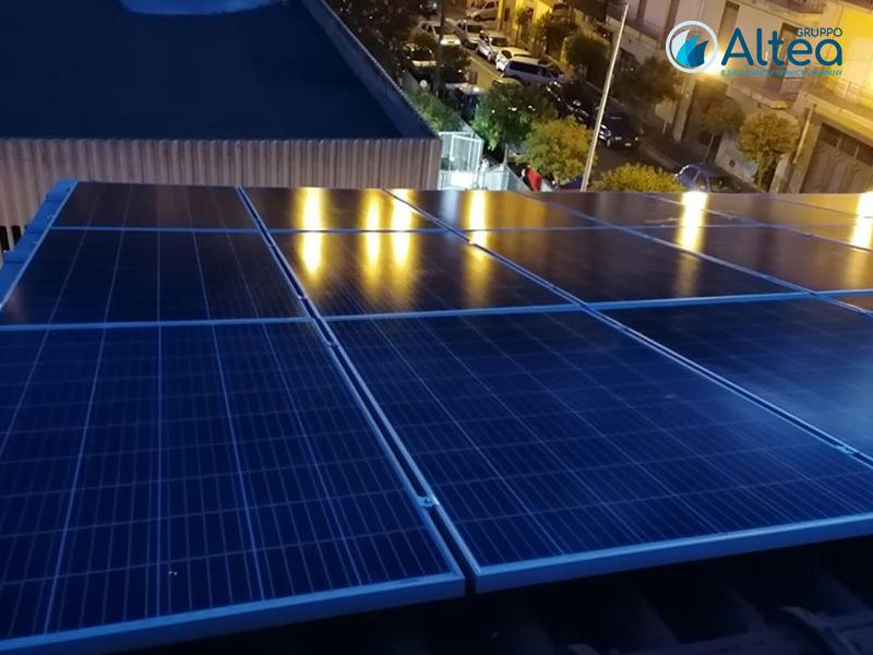 Fotovoltaico impianto notturno