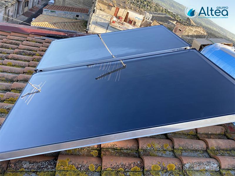 impianto a tre pannelli solare termico con boiler da 320lt