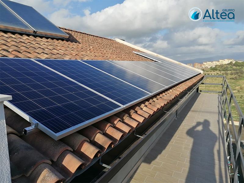 impianto fotovoltaico laterale
