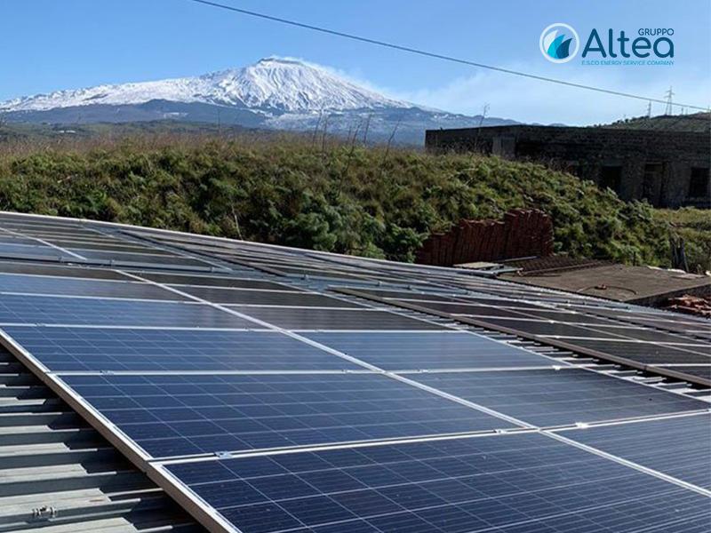 Impianto Fotovoltaico vista Etna