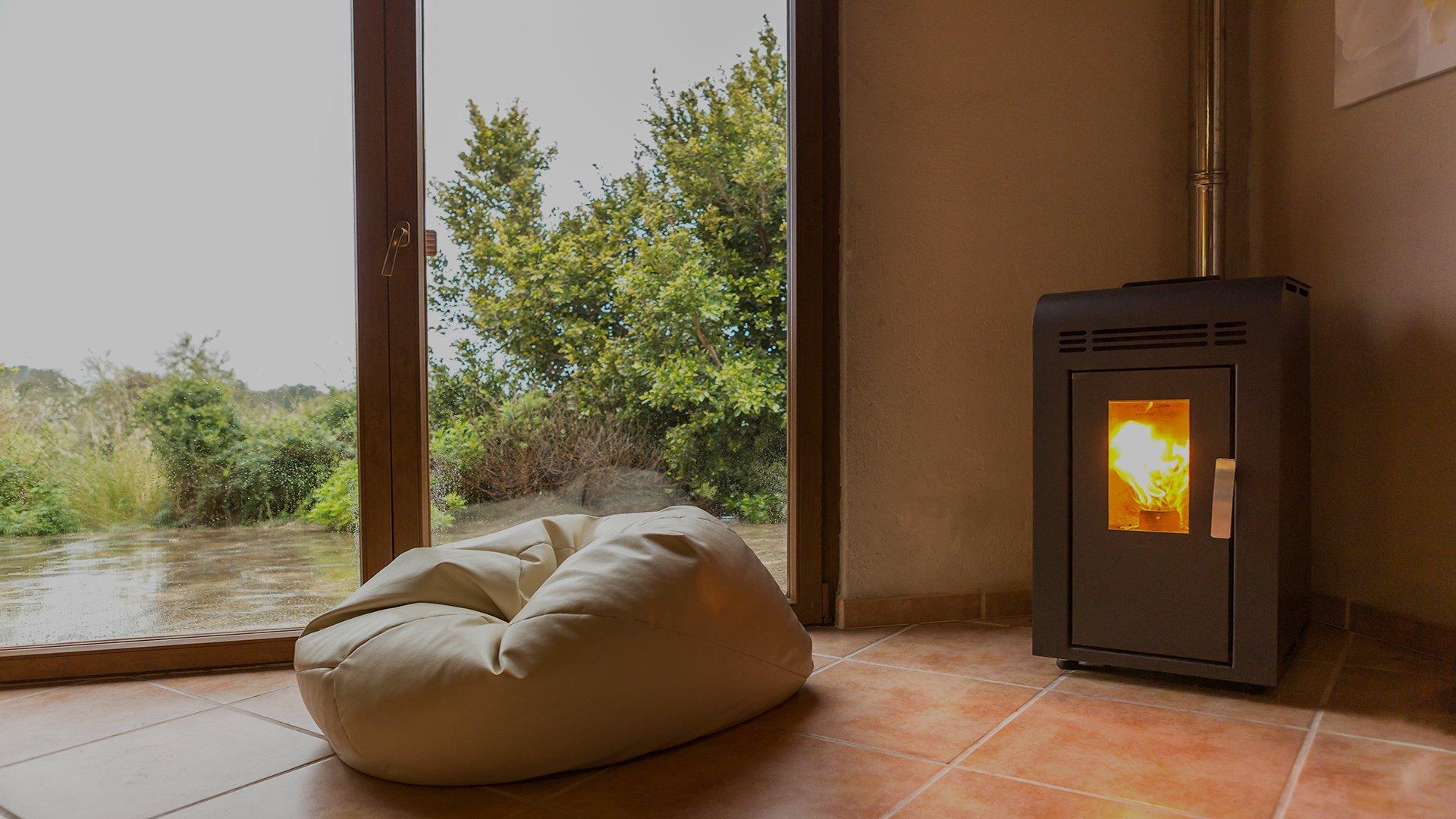 Immagine stufa a pellet montata su abitazione e ambienti da 30 a 60 kw