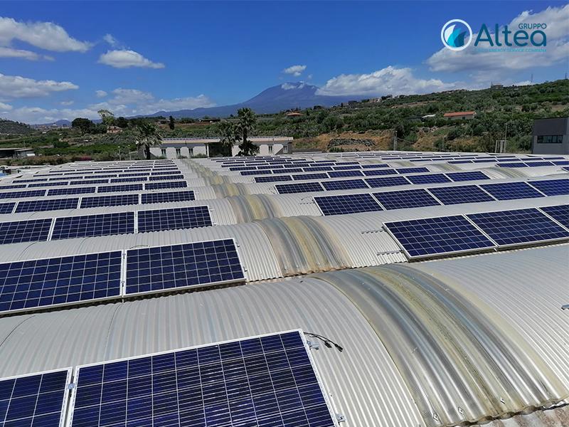 Vista angolare pannelli fotovoltaici