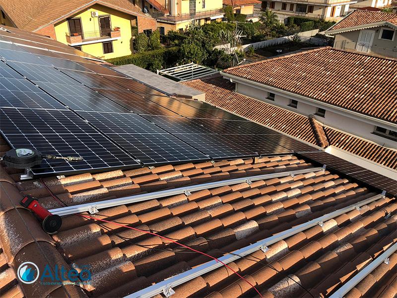 installazione impianti fotovoltaici a tetto cons truttura in acciaio